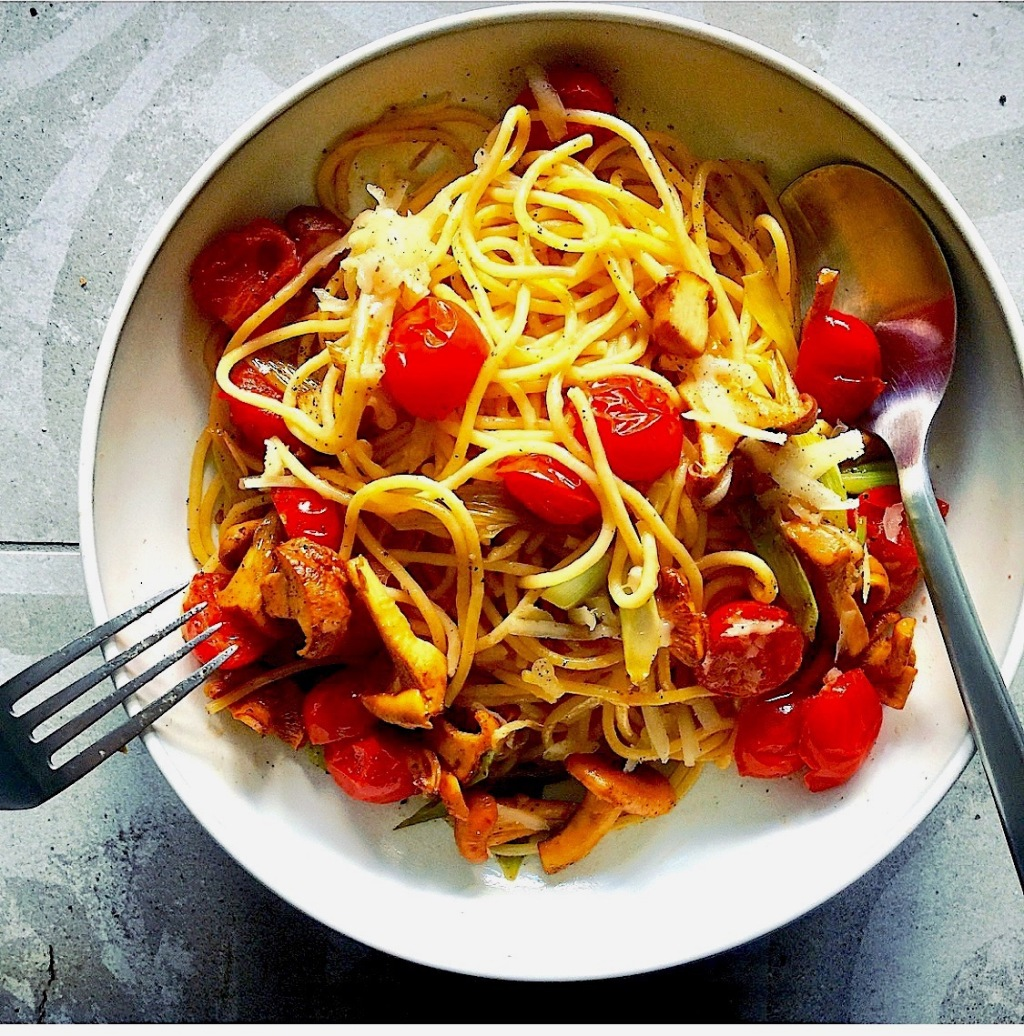 Fall Pasta with chanterelles & cherry tomatoes