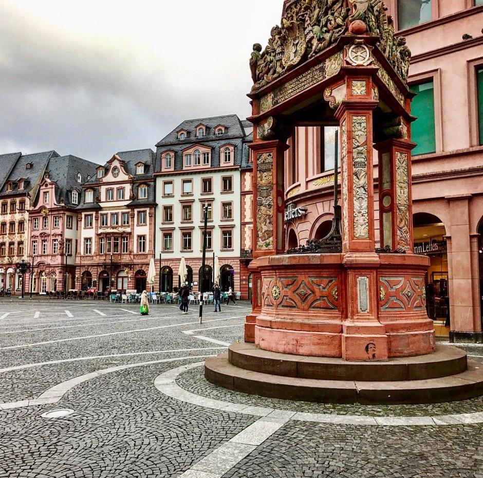 "Market Fountain (""Marktbrunnen)"
