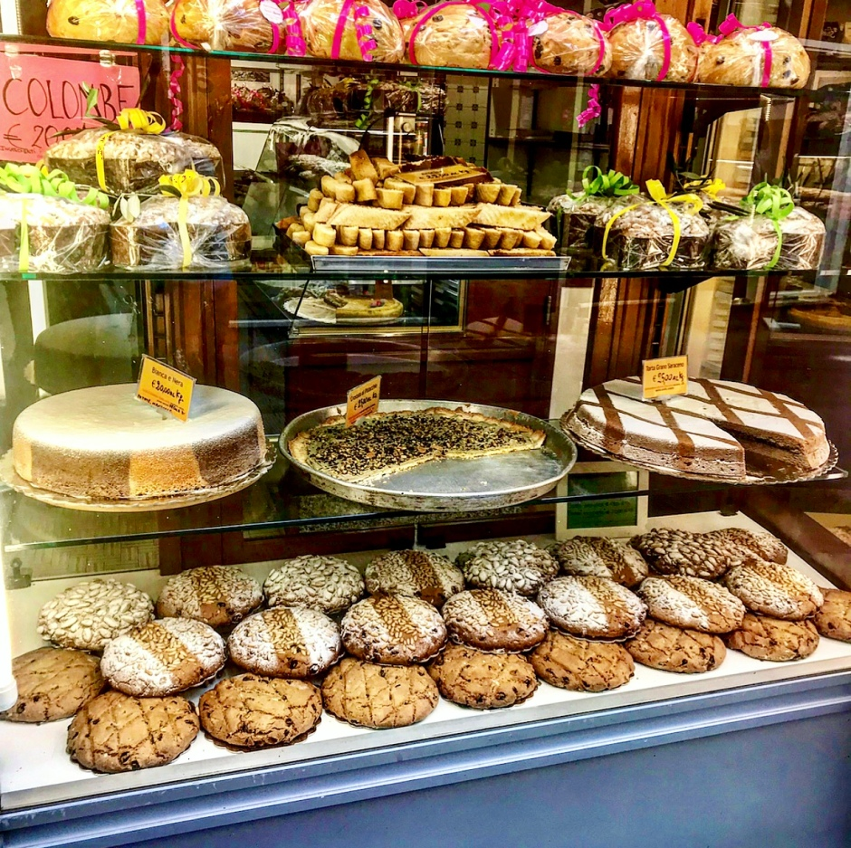 Italian pastries and cakes